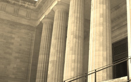 Vous venez de recevoir un document officiel d'un Tribunal de Grande Instance et plus exactement du cabinet d'un juge aux affaires familiales. Ce document se nomme requête, elle est rédigée par un avocat ou est présentée sous forme d'un formulaire. Elle est au nom de votre compagne, compagnon ou épouse ou époux. Ce document expose […]