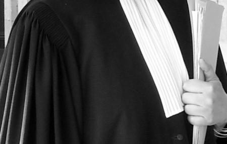 On peut lire beaucoup d'articles sur la toile sur cette question récurrente en matière de divorce mais aussi en toute matière, comment choisir son avocat ? Plusieurs critères peuvent vous amener à vous arrêter sur tel ou tel avocat, tout dépendra quel est le critère, qui pour vous, sera le critère déterminant. On peut […]